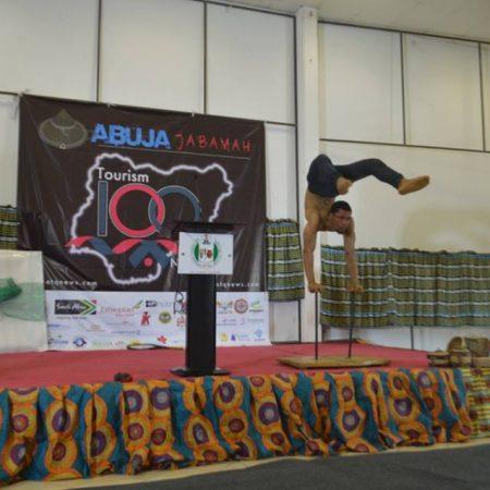 ABUJA JABAMAH 2018: CARNIVAL CALABAR ACROBATIC DANCERS WOW PARTICIPANTS